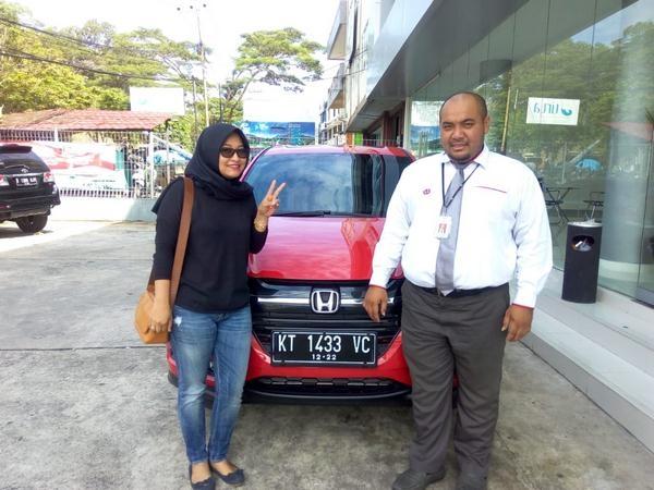 sales-mobil-honda-samarinda-4